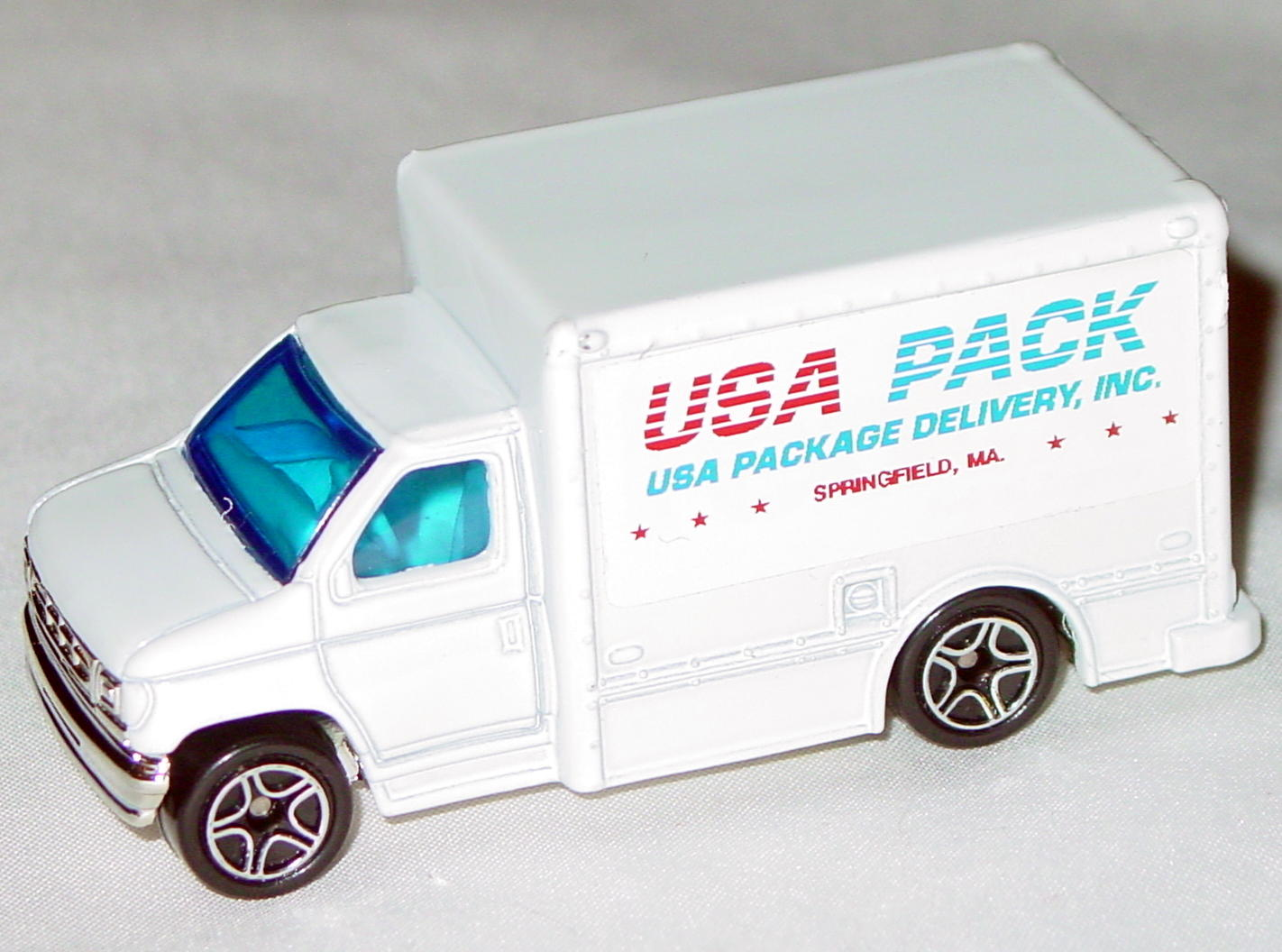 ASAP-CCI 23 H - Ford Box Van White USA Pack Code3 Bruce Cohen