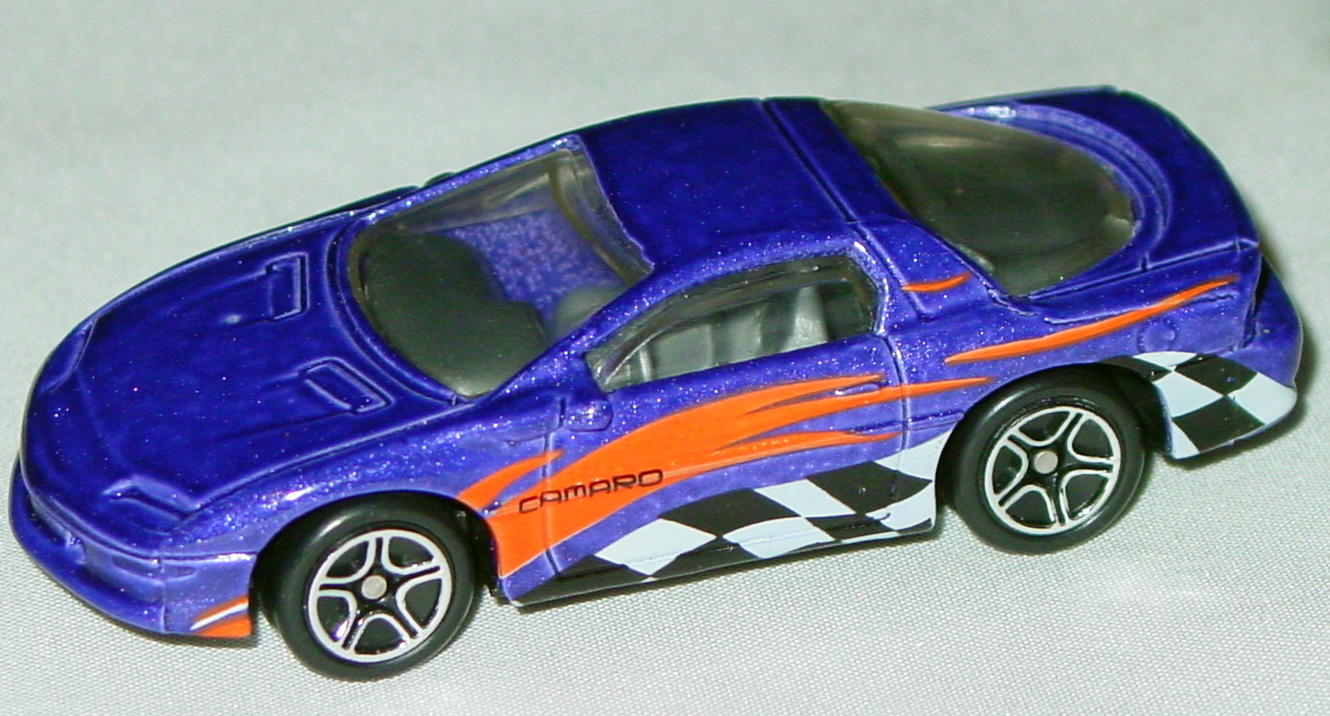 Offshore SuperFast 43 I 26 - Camaro Z-28 met Purple check/flash tampo made in China