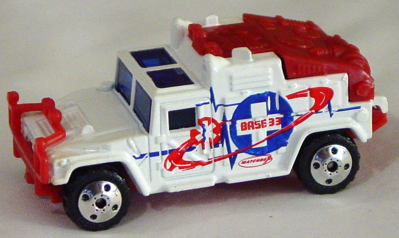 Offshore SuperFast 48 L 3 - Hummer Police White darker red Base 33 made in China 2012EA