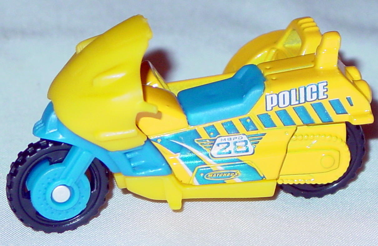 Offshore SuperFast 59 M 9 - 2003 28 Cycle with sidecar Yellow Police 28 made in China