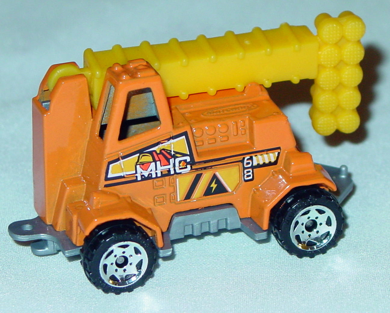 Offshore SuperFast 60 M 3 - 2003 68 Mobile Light Truck Orange MHC68 made in China