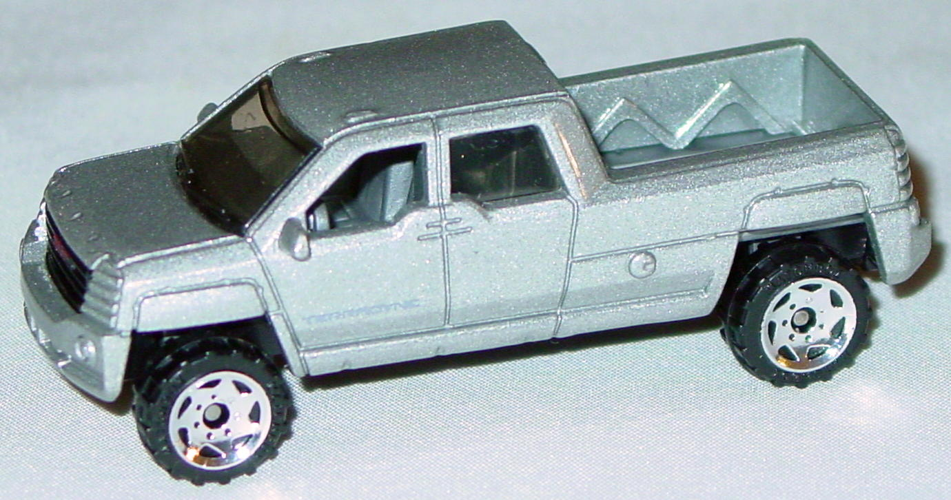 Offshore SuperFast 62 N 1 - 2002 62 GMC Terradyne sil-Grey Terradyne made in China
