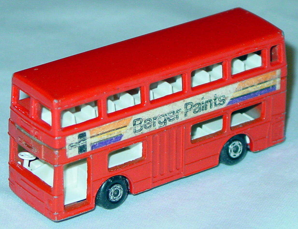 Lesney SuperFast 17 B 18 - Bus Berger Paints 5-spoke