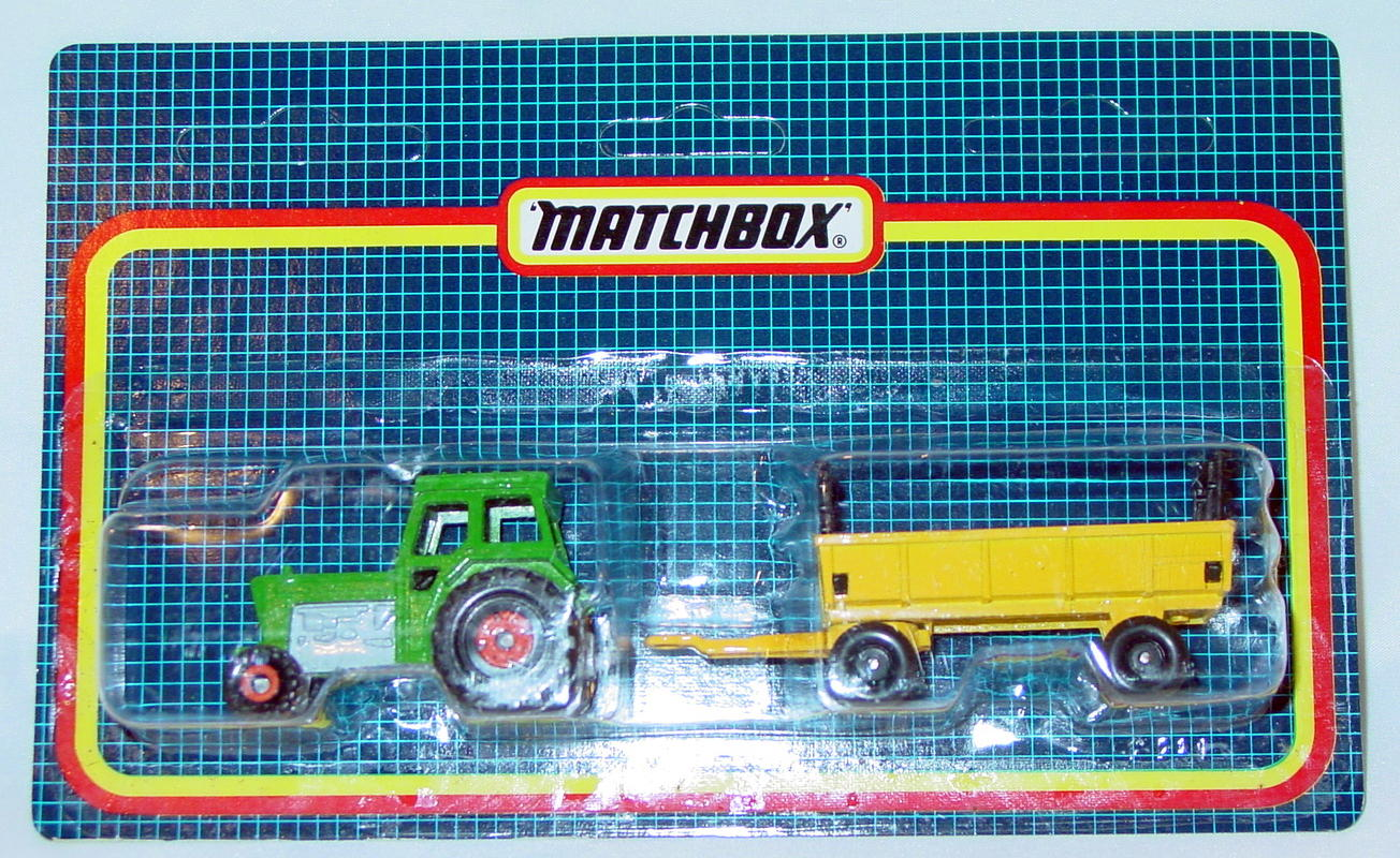 Twin Pack 108 A 3 - Green 46C Tractor/Yellow 40 Trailer C9+ Card
