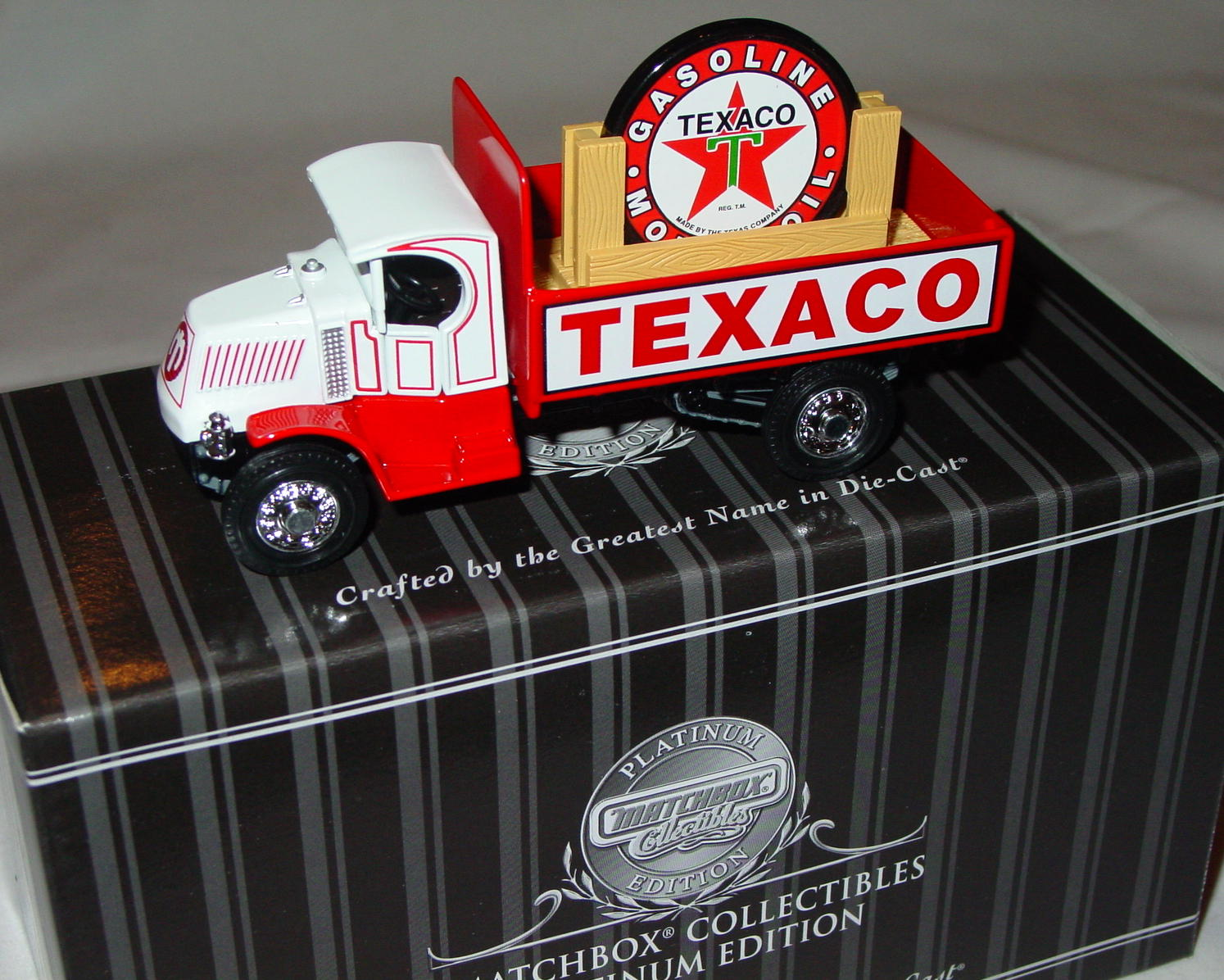 Collectibles - 92123 PLATINUM 20 Mack AC Texaco