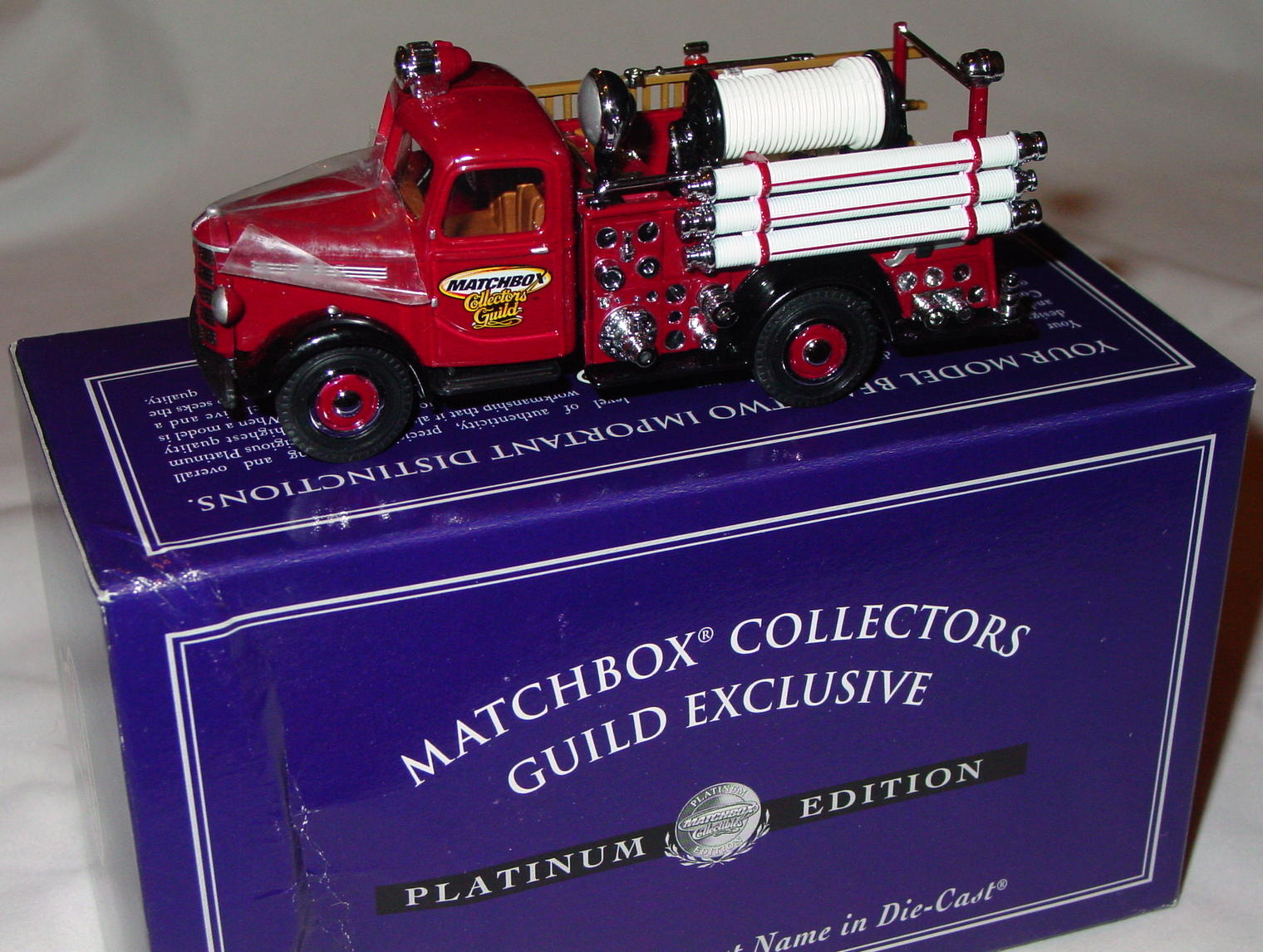 Collectibles - 95166 MBX Coll Guild 39 Bedford Fire Pumper