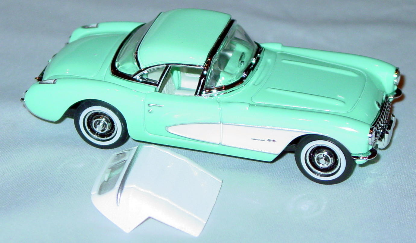 Collectibles - CCV03M MATCHBOX ULTRA 57 Corvette Turquoise 2 roofs