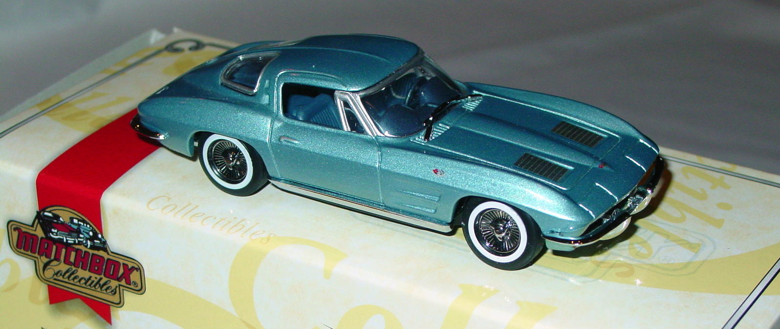 Collectibles - CCV05M MATCHBOX ULTRA 63 Corvette Stingray Blue