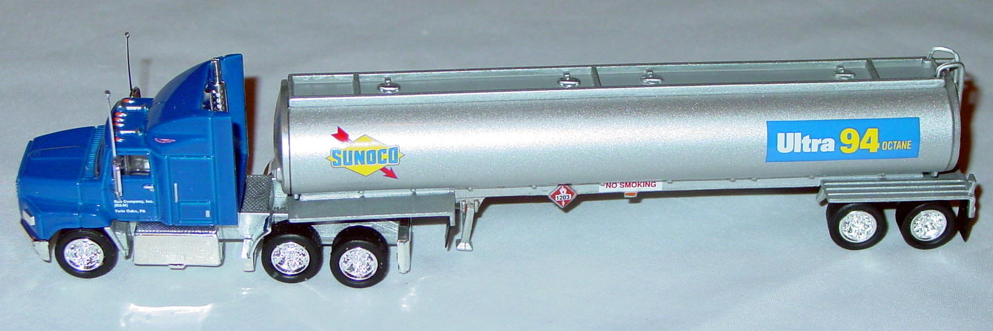 Collectibles - CCY10M Ford Aeromax Tanker Sunoco