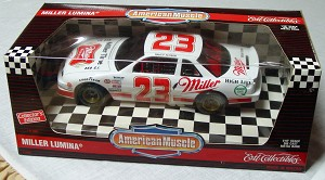 1_18 Scale - ERTL Davey Allison Lumina White